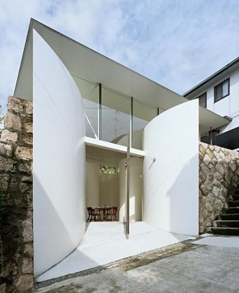 Жилой дом Clover House в Японии