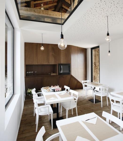 Restaurant A l'Envi - французский ресторан в сарае