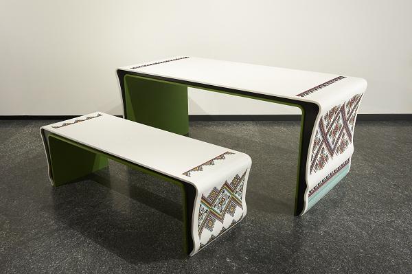 Проект «Украинские узоры» – вышивка по камню на выставке «Corian® springs Russian design» в Милане