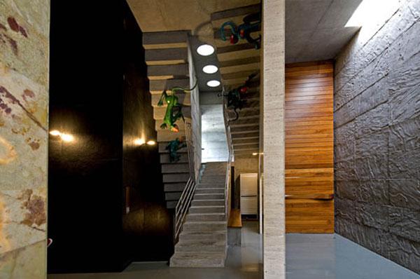 Curtain Door – функциональный арт-объект от Matharoo Associates