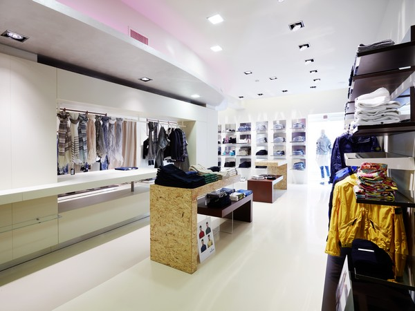 Интерьер бутика итальянской одежды бренда Eliseo от Alberto Apostoli Studio