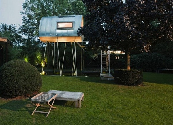Froschkonig – дом над водой от Baumraum
