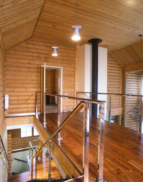 Современный интерьер традиционного деревянного дома от Geometrix Design
