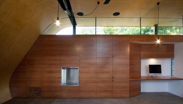 Hill House – жилой дом, интегрированный в искусственный холм от Эндрю Мэйнарда (Andrew Maynard)