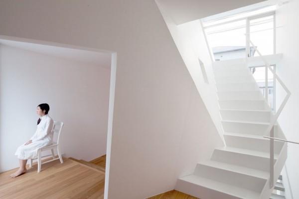 House Folded – японский дом с нетрадиционной геометрией пространства