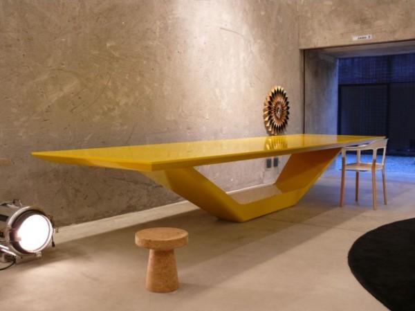 Стол JET Table от Гильерме Торреса (Guilherme Torres)