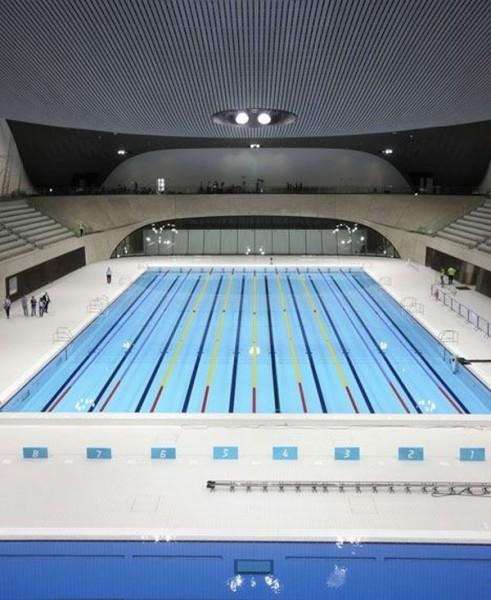 Центр водных видов спорта от Захи Хадид (Zaha Hadid)