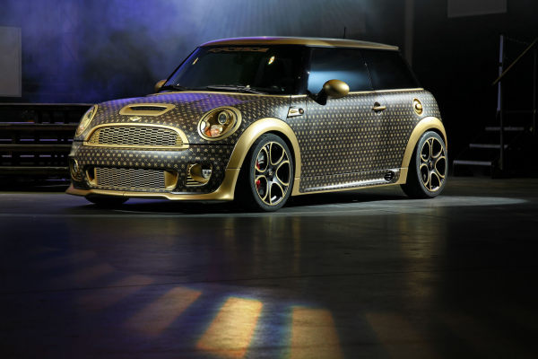 Автомобиль Louis Vuitton Mini Cooper от CoverEFX