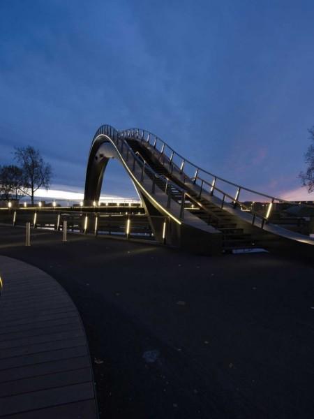 Melkwegbridge – необычный прогулочный мост в Нидерландах