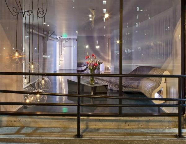Интерьер вестибюля компании mercantile lofts