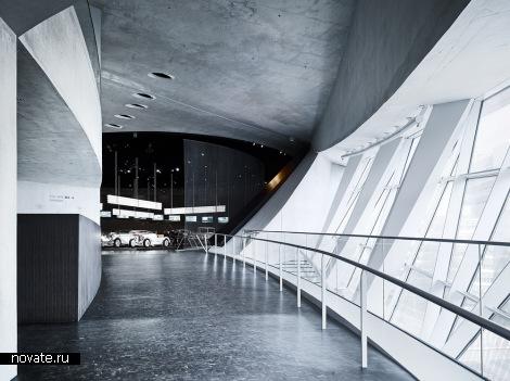 Здание Mercedes Benz Museum от UN Studio в Штутгарте