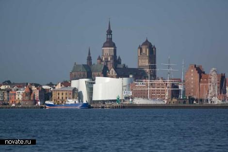 Музейный комплекс Ozeaneum от Behnisch Architekten в Германии