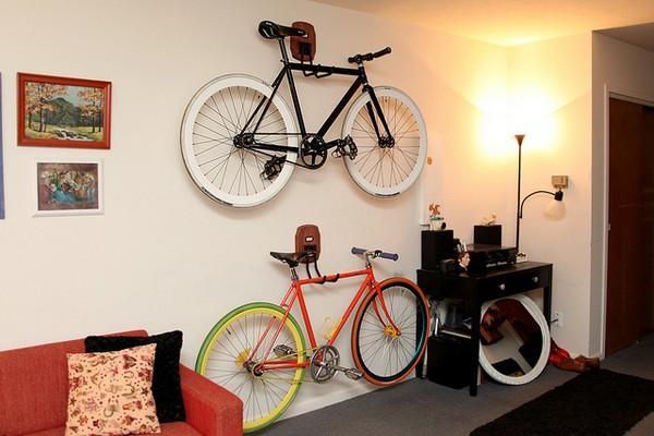 Креативная «парковка» велосипеда в условиях небольших квартир