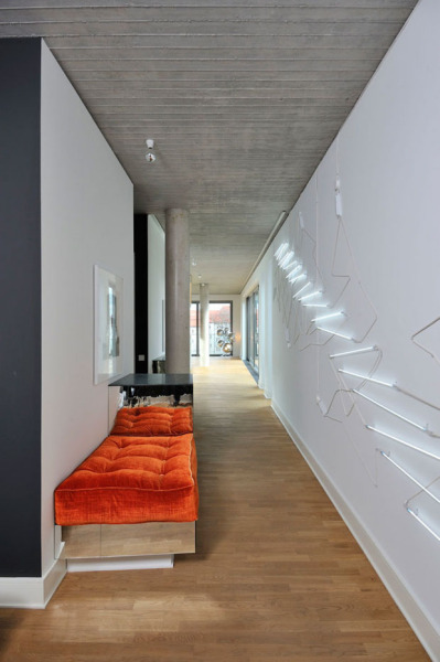 Интерьеры реконструированного берлинского пенхауса от LecaroliMited Architects