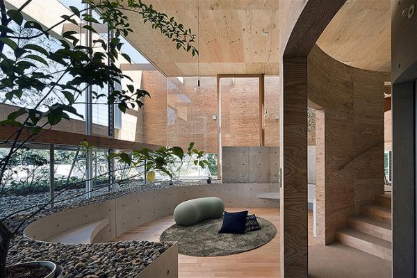 Pit House - подземно-надземный дом от Кейсуке Маэда (Keisuke Maeda)