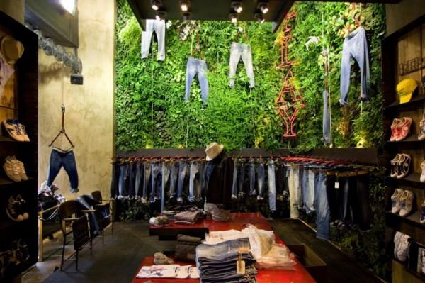 Зеленый бутик одежды во флоренции