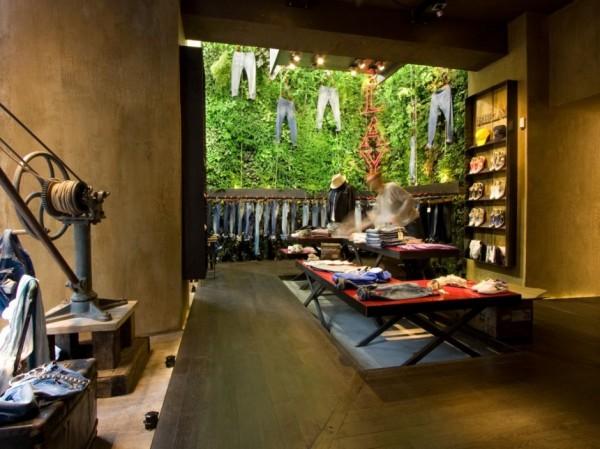 Бутик Replay от Garden Design во Флоренци