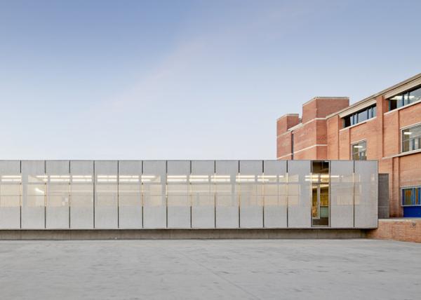 Roses IES Cap Norfeu – инновационное хай-тек расширение школы в Гироне (Испания)