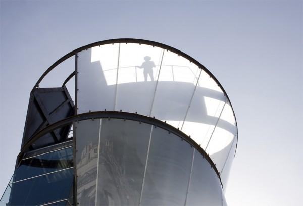 Замкнуто - экстравертивная башня Samitaur Tower от Eric Owen Moss Architects в Лос-Анджелесе