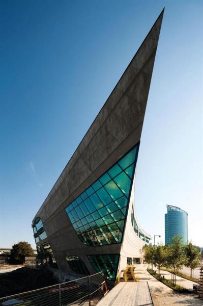 Surrey City Centre Library – ультра-современная библиотека от Bing Thom Architects