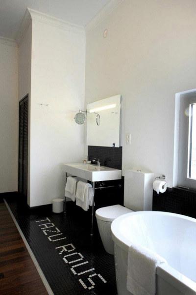 Tower Hotel Room - отельный номер вокруг городских часов