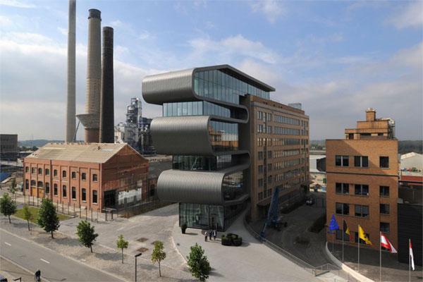 Офисное здание промышленной зоны компании  Umicore в Хобокене (Бельгия)