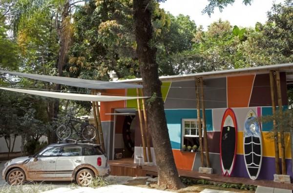 Urban Cabin – загородный дом, реконструированный по мотивам картин Тарсилы ду Амарал (Tarsila do Amaral)