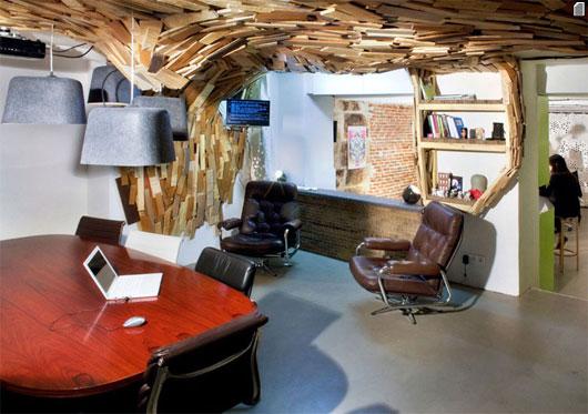 Креативный интерьер офиса Wooden cave от Coudamy Design в Париже