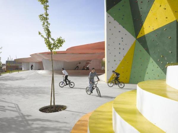 Молодежный центр Youth Factory от Selgascano Architects