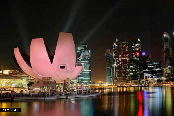 Музей Artscience museum от Моше Сафди (Moshe Safdie) в Сингапуре