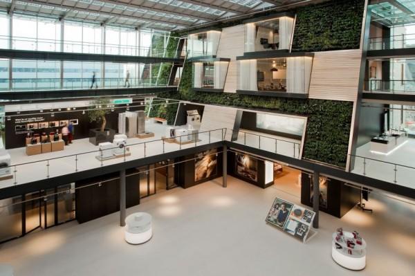 Зеленый атриум в офисе для Bosch Siemens Hausgerate (B / S / H /) в Нидерландах