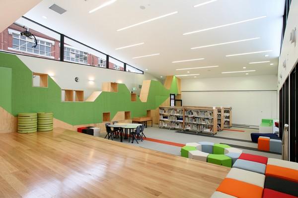 Разноцветная студенческая библиотека от dKO Architecture в Мельбурне (Австралия)