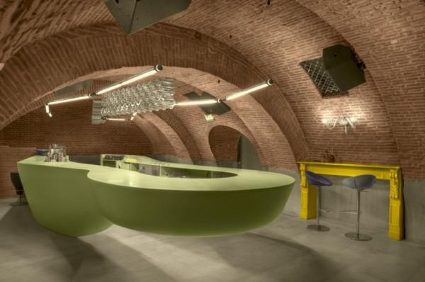 Evolution Bar - реконструированный ресторан-бар в Румынии