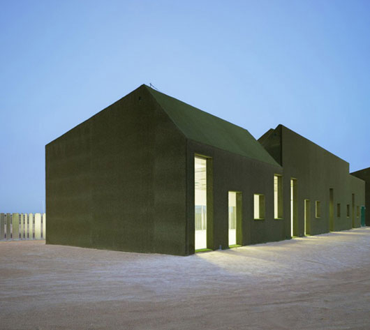 Современная «зеленая» школа от Estudio Huma в Испании