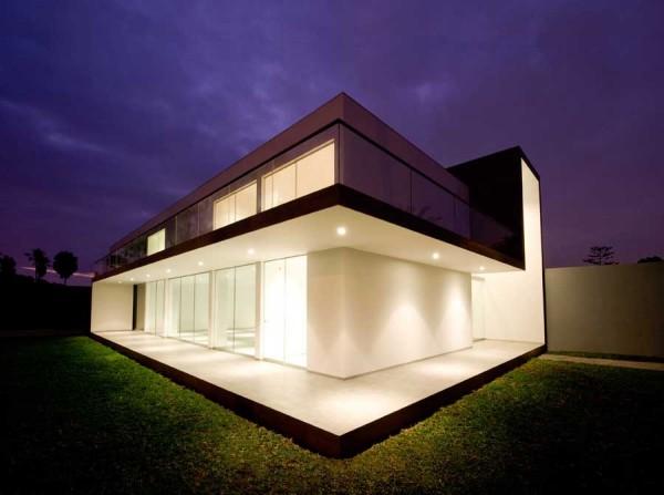 Жилой дом House in La Encantada от Artadi Arquitecto в Перу