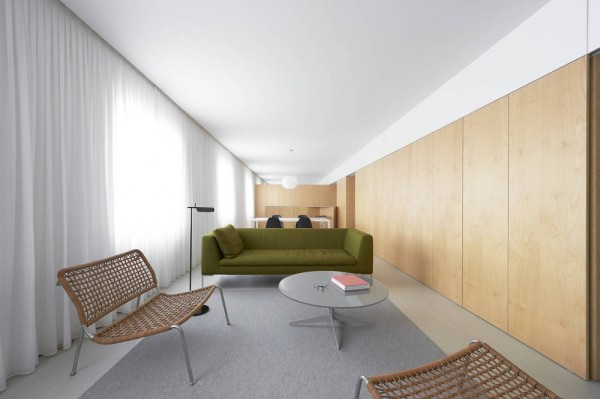 «Встроенная» квартира от испанских архитекторов