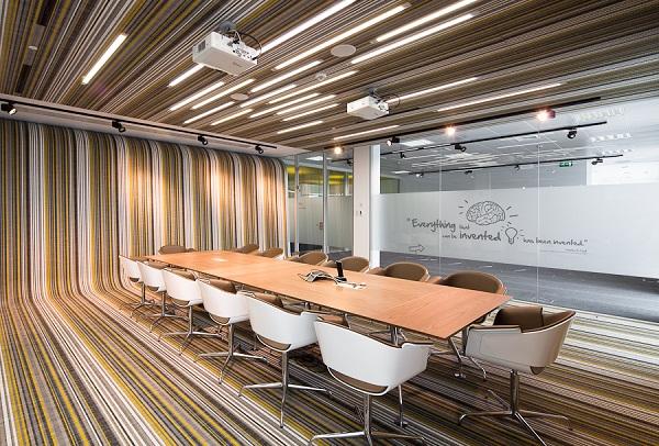 Интерьеры штаб-квартиры Associacao Fraunhofer Portugal в Порто (Португалия)