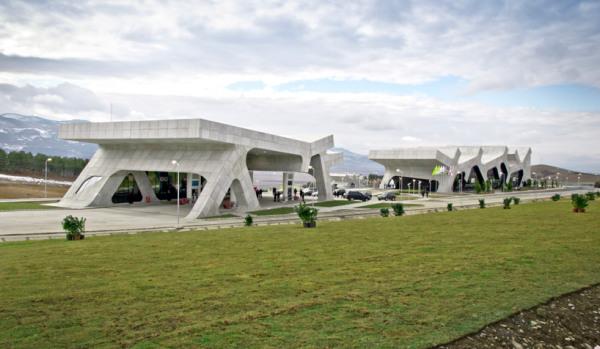 Rest Stops – ультра-современная остановка в Грузии от немецких архитекторов