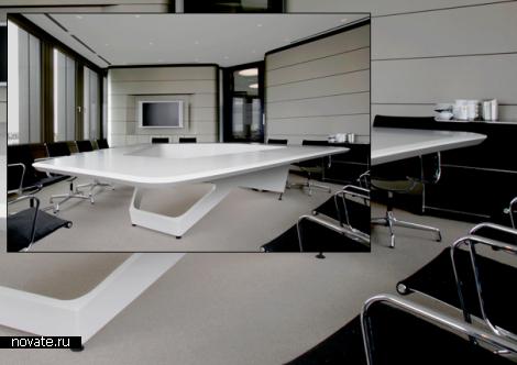 One Gigantic Talking Table. «Космический» стол от KINZO