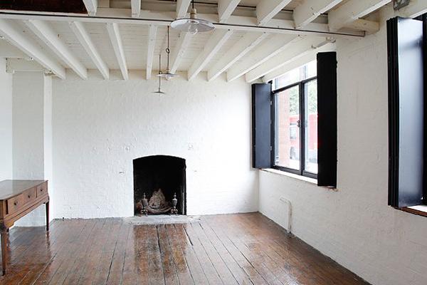 Вторая жизнь предметов в эклектичной лондонской квартире
