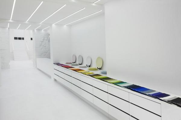 Queen of Tableware – минималистский интерьер нового бутика-галереи  посуды в Париже