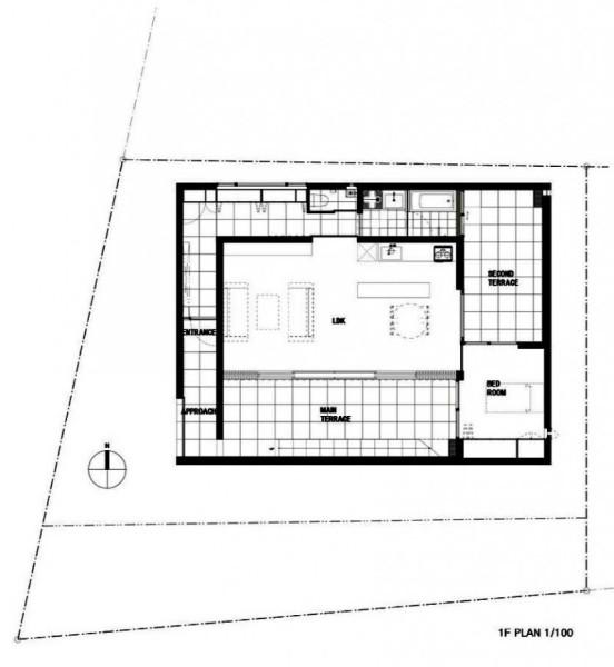 MUR House – белый дом для одинокой женщины