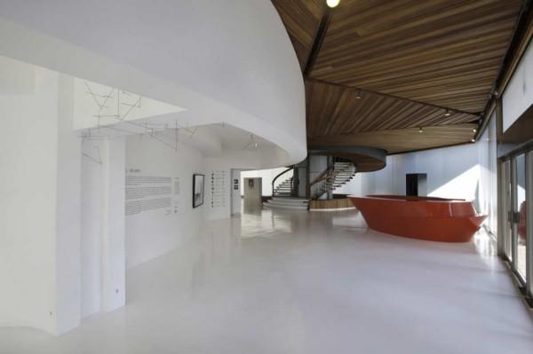 Ультра-современная реконструкция арт-галереи Polyforum Siqueiros Galleries в Мехико (Мексика)