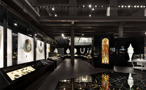 Шанхайский культурный центр Shanghai Museum of Glass