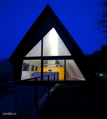 Новая крыша для старых стен от Сadaval & sola-morales