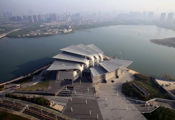 «Крылатый» оперный театр Wuxi Grand Theatre в Китае