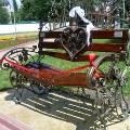В Абакане появилась скамейка примирения