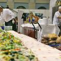 Жители Барнаула съели 6-метровый бутерброд