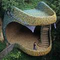 В Португалии построили дом-змею
