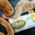 Люди встают в очереди за плюшевыми вирусами Эбола